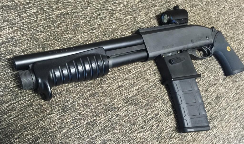 M870ブリーチャー M4マガジンカスタム